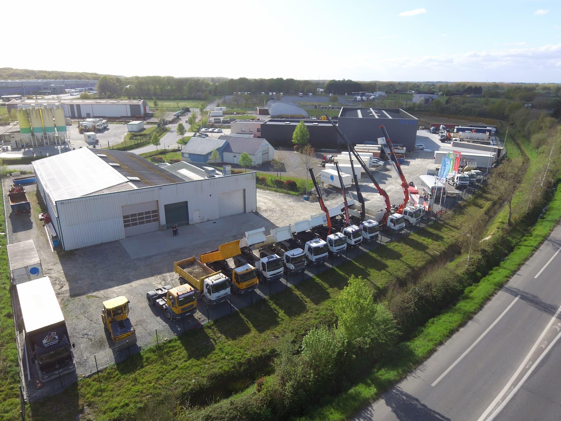 Vue aérienne des locaux extérieur Ahema Trucks